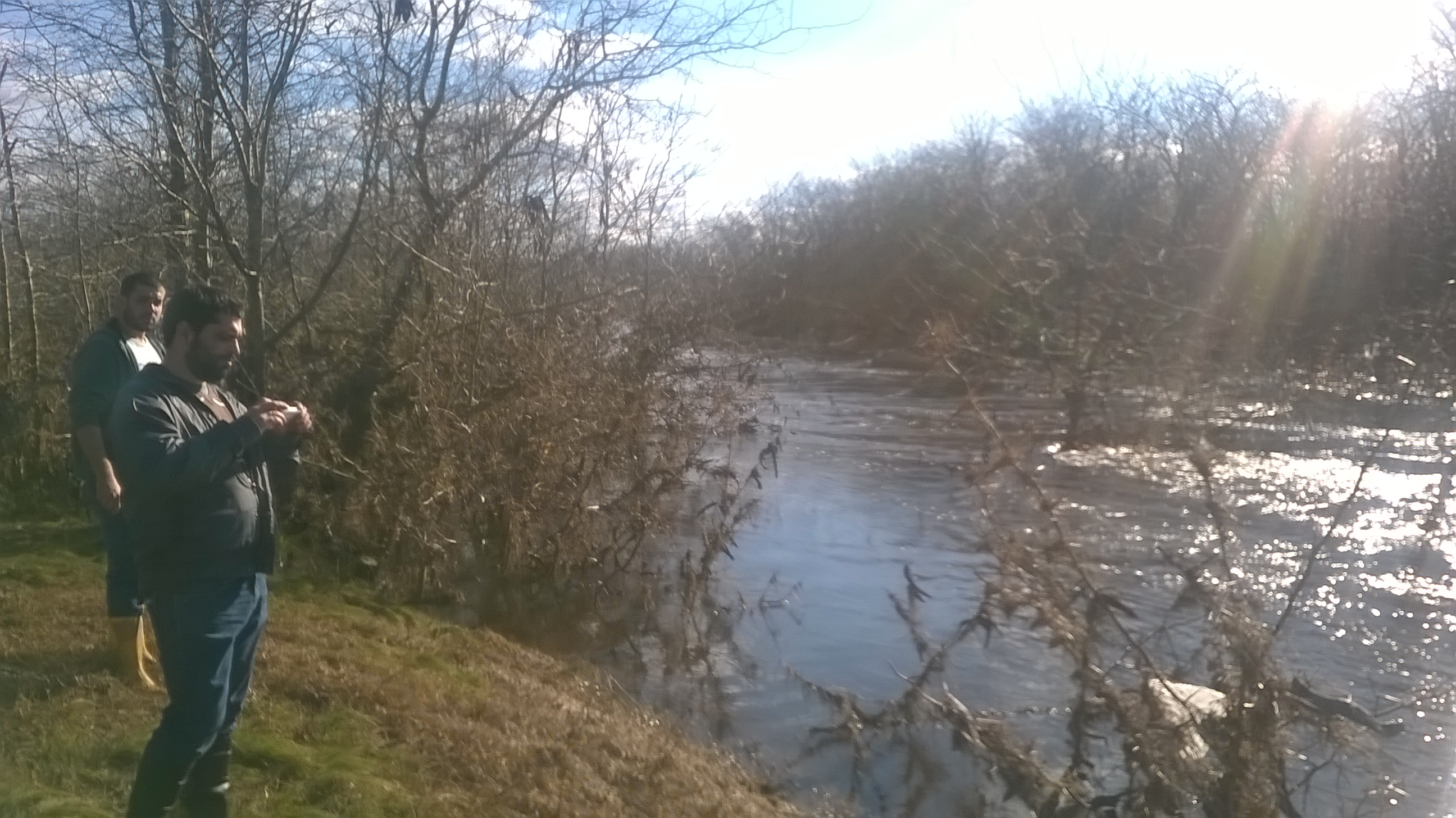 Río Lujan fuera de su cauce normal en localidad de Olivera